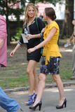http://img137.imagevenue.com/loc1110/th_75113_Blake_Lively_and_Leighton_Meester_On_the_set_of_Gossip_Girl9_122_1110lo.jpg