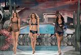 Sexy Runway models - 8 (Valentina Zelyaeva)