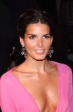 Angie Harmon Stuff Gamer - December 2003 Foto 10 (Энджи Хэрмон Stuff Коротко - декабрь 2003 г. Фото 10)