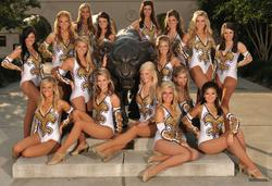 [Image: th_019547372_tduid2978_Cheerleaders_433_122_386lo.jpg]