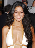 th 08252 14 122 472lo Photos dEmmanuelle Chriqui