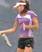 http://img137.imagevenue.com/loc498/th_256034692_ana_ivanovic_rogers_cup_2011_044_123_498lo.JPG