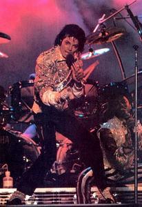 1984 VICTORY TOUR  Th_754326472_7030120175_c71894ef46_o_122_575lo