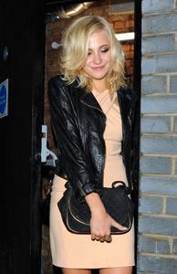 http://img137.imagevenue.com/loc81/th_978884694_Pixie_Lott_Leaving_the_Rose_Club_in_London_September_16_2012_23_122_81lo.jpg