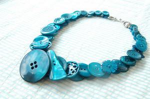 th 16899 blue button necklace 122 942lo - Geri Dönüşüm Fikirleri